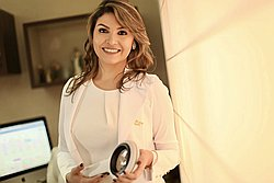 Dra. BRENDA - Médico dermatologista - Agendar Consulta