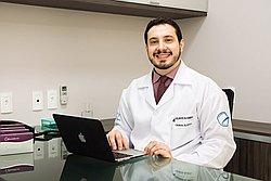 Dr. WELLINGTON - Cirurgião Plástico - Agendar Consulta
